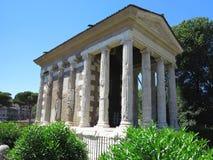 19 06 2017年,罗马,意大利:男性时运的寺庙  库存图片