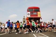 2013年,英国10km伦敦马拉松 免版税库存图片