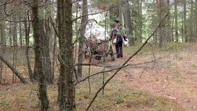 1812,走通过森林的法国士兵战争  影视素材