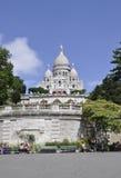 巴黎, 7月17日:大教堂从蒙马特的Sacre Coeur在巴黎 免版税库存图片