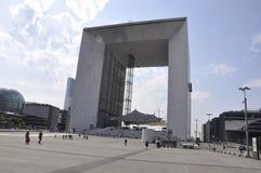 巴黎, 7月16日:有重创的曲拱的拉德芳斯在从法国的巴黎 免版税图库摄影
