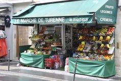 巴黎, 7月17日:水果市场在蒙马特在巴黎 免版税库存照片