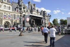 巴黎, 7月17日:从巴黎的城镇厅广场在法国 免版税库存照片