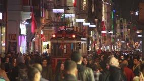 2017年, NÄ°GHT圣诞节,人们拥挤了,伊斯坦布尔istiklal街道,土耳其12月2016年, 股票录像