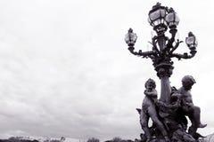 巴黎, Pont亚历山大III桥梁,华丽灯 库存图片
