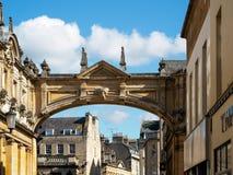 浴, SOMERSET/UK - 10月02日:在路的曲拱由罗马 免版税库存照片