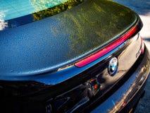 浴, SOMERSET/UK - 10月02日:降露在一辆汽车在巴恩萨默塞特o 免版税图库摄影