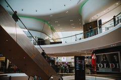 :新的购物中心的第一天 库存照片