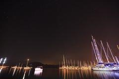:游艇港口在晚上 库存照片