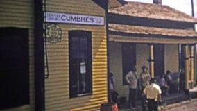 1973年:高海拔火车站指挥采取票和蒸汽机车前面 影视素材