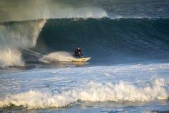 2018-02-28 :corralejo费埃特文图拉岛-海浪运动员训练sess 免版税图库摄影