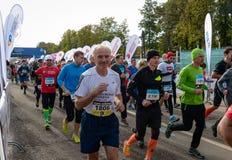 2016年 09 25 :IV莫斯科马拉松 开始42 0.85 km 库存图片