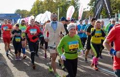 2016年 09 25 :IV莫斯科马拉松 开始42 0.85 km 免版税库存照片