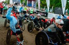 2016年 09 25 :IV莫斯科马拉松 开始handbikers 免版税库存照片