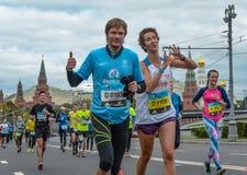 2016年 09 25 :IV莫斯科马拉松 第36个km马拉松距离 库存照片