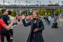 2016年 09 25 :IV莫斯科马拉松 第36个km马拉松距离 免版税图库摄影