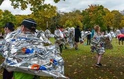 2016年 09 25 :IV莫斯科马拉松 运动员完成马拉松距离 免版税图库摄影