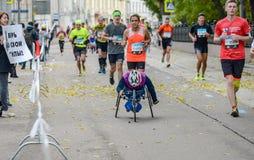 2016年 09 25 :IV莫斯科马拉松 马拉松路线的第24 km 免版税库存照片