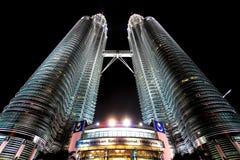Δίδυμοι πύργοι Petronas στην Κουάλα Λουμπούρ, Μαλαισία Στοκ Εικόνες