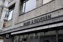 ΔΑΝΙΚΑ ΚΤΥΠΗΜΑ ΕΜΠΟΡΙΚΩΝ ΣΗΜΑΔΙΩΝ & OLUFSEN Στοκ Φωτογραφίες