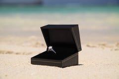 δαχτυλίδι αρραβώνων διαμ&al Στοκ Φωτογραφία