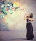 Δημιουργική μόδα με τη σφαίρα σαπουνιών Στοκ Εικόνες