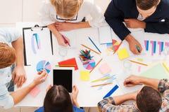 Δημιουργική ομάδα στην εργασία Στοκ Εικόνες
