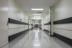Διάδρομος σε ένα σύγχρονο νοσοκομείο Στοκ Εικόνες