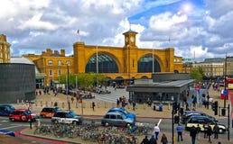 Διαγώνιος σιδηροδρομικός σταθμός Λονδίνο βασιλιά Στοκ εικόνα με δικαίωμα ελεύθερης χρήσης