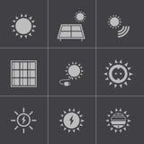 Διανυσματικά μαύρα εικονίδια ηλιακής ενέργειας καθορισμένα Στοκ Εικόνα
