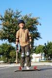 διασκέδαση που έχει skateboard Στοκ φωτογραφία με δικαίωμα ελεύθερης χρήσης