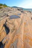 Δραματικός επίπεδος βράχος μια θερινή ημέρα Στοκ Φωτογραφία