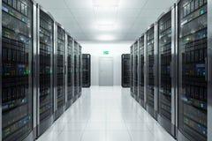 Δωμάτιο κεντρικών υπολογιστών στο datacenter Στοκ φωτογραφία με δικαίωμα ελεύθερης χρήσης
