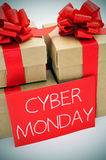 Δώρα και Δευτέρα κειμένων cyber σε μια πινακίδα Στοκ Φωτογραφία