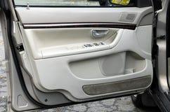 дверь автомобиля открытая Стоковые Фотографии RF