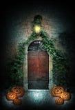 Дверь хеллоуина на ноче Стоковое Изображение