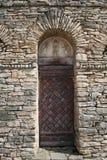 дверь cremieu средневековая Стоковая Фотография
