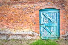 дверь wonky Стоковая Фотография