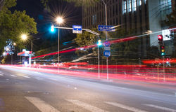 Движение города на ноче Стоковые Фото