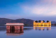 Дворец воды Jal Mahal Джайпур, Раджастан, Индия Стоковое Фото