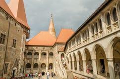 Двор дворца замка Corvin внутренний Стоковые Фото