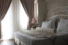 Двуспальная кровать Стоковые Изображения RF