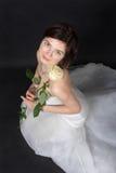 Девушка в белом платье невесты Стоковое Изображение