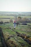 Девушка в деревне Стоковое Изображение