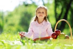 Девушка в парке Стоковая Фотография