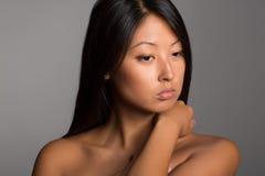 Девушка детенышей портрета довольно азиатская Стоковые Изображения