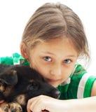Девушка и щенок Стоковые Изображения RF