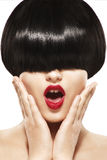 Девушка красоты стиля причёсок края с короткими волосами Стоковое Изображение RF