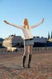 девушка летания подростковая Стоковая Фотография