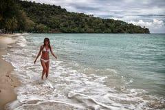 Девушка на море Стоковые Фотографии RF